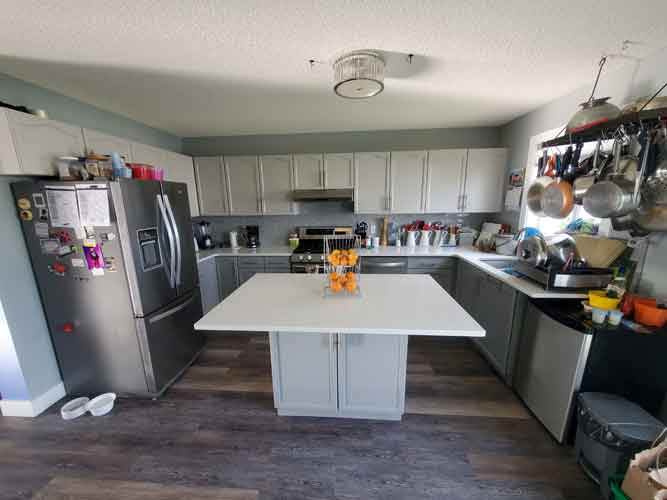 WHEN TO REFINISH KITCHEN CABINETS
